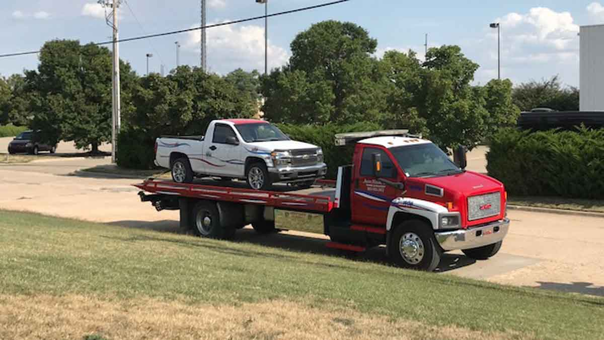 I 70 Towing >> Towing Central Kansas Fast Towing I 70 I 135 Us 81 620 654 3210